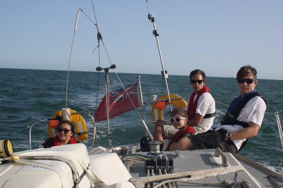Offshore sailing for kids