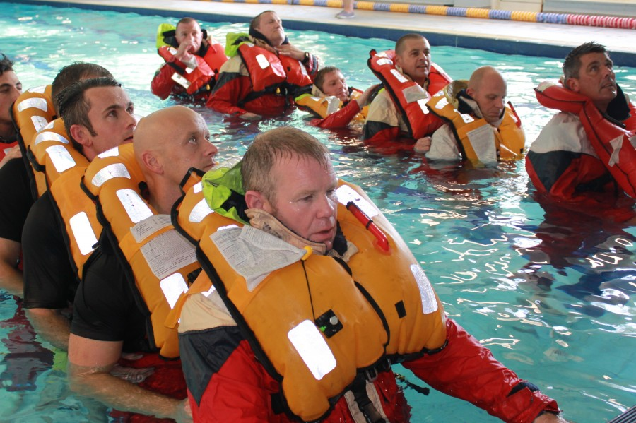 Sea Survival Course - Pool Time