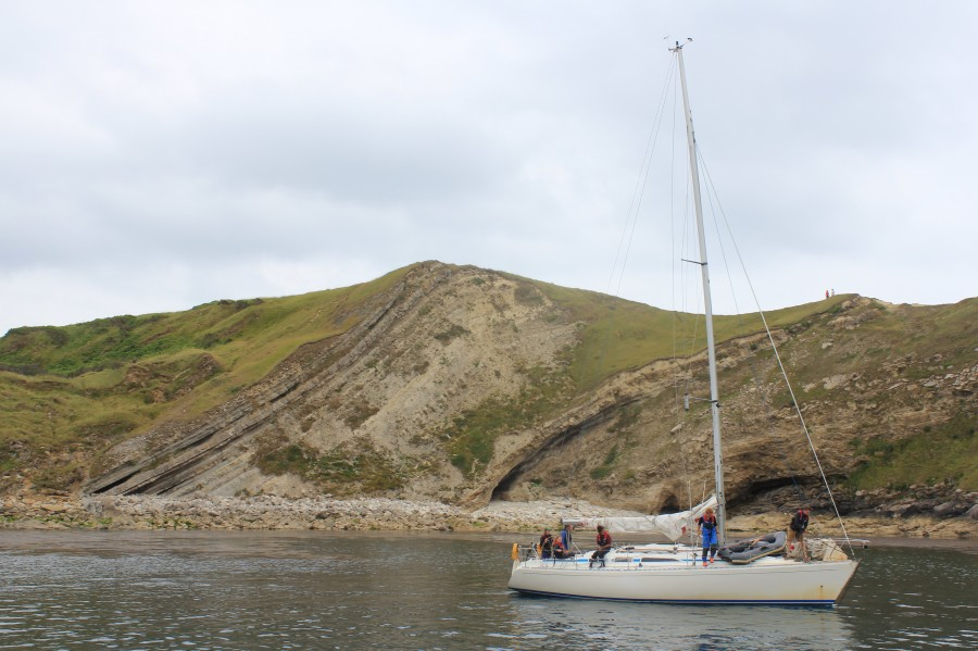 DofE Sailing Expedition arrives in Lulworth